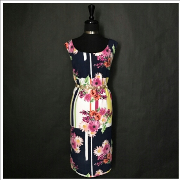 Emma & Michelle Dresses & Skirts - EMMA & MICHELE Exotic Floral Print Dress(Sz 22W)